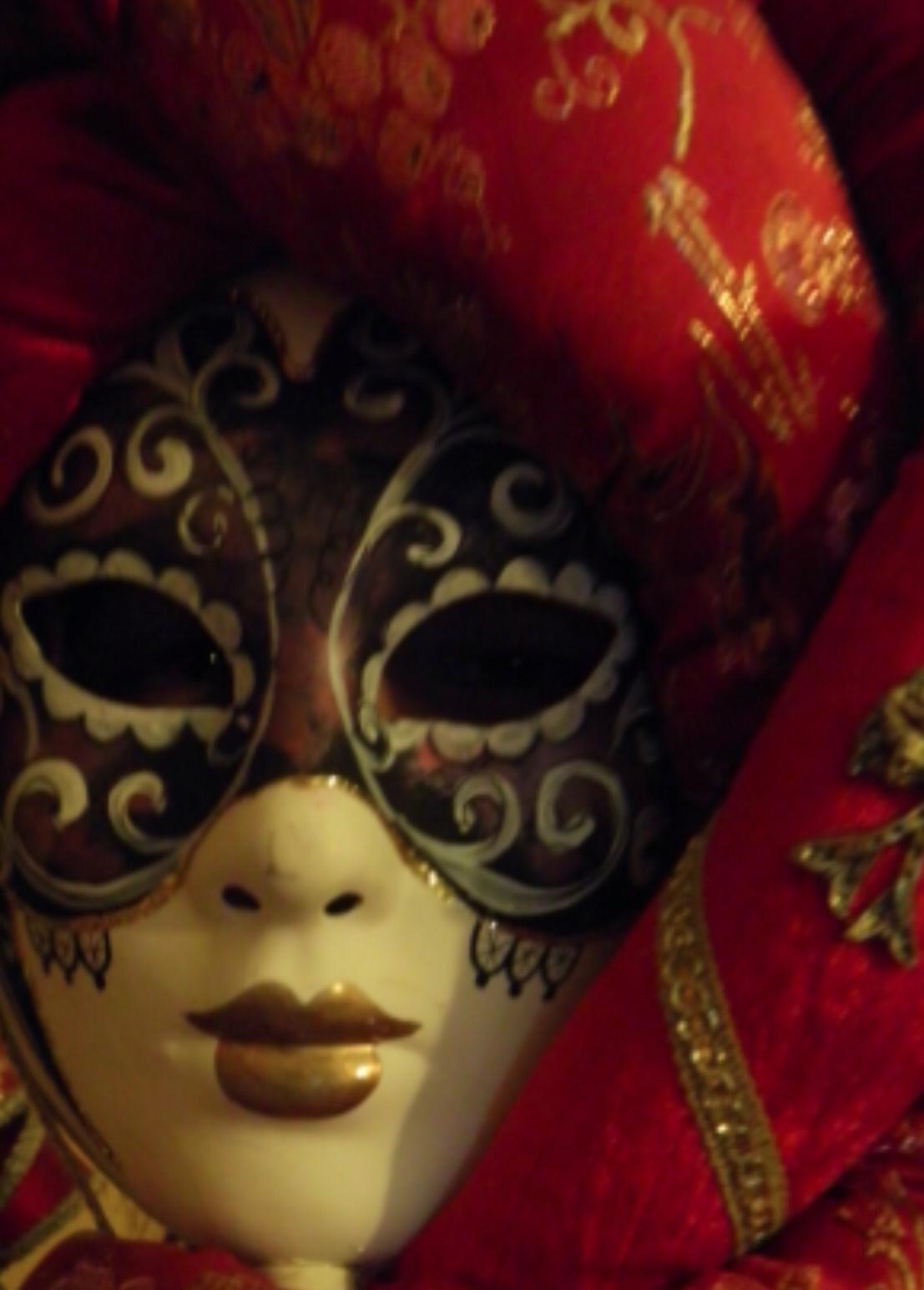 Carnival begins in Venice
