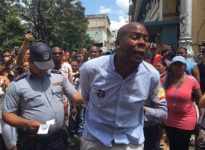 BLACK PEACEFUL PROTESTER ARRESTED IN THE STREETS OF HAVANA BY COMMUNIST FORCES - MARCH 25, 2016